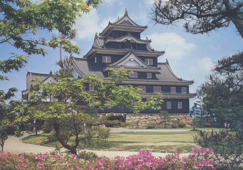 So bauen Japaner Burgen: Okayama Castle, genannt Krähenburg. Quelle: Postkartenarchiv Plaisier